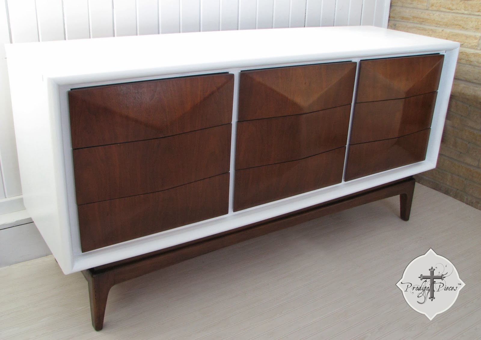 Nice Vintage Mid Century Modern Console Dresser By Prodigal Pieces