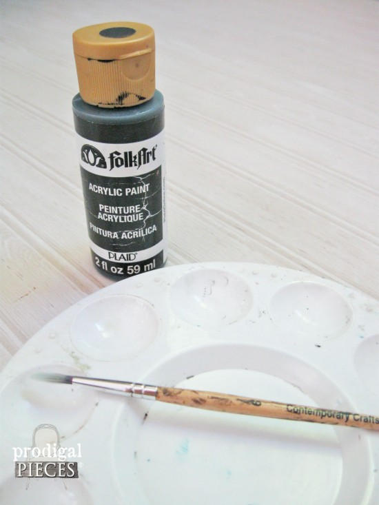 DIY: Repurposed & Painted Sign Tutorial by Prodigal Pieces www.prodigalpieces.com #prodigalpieces