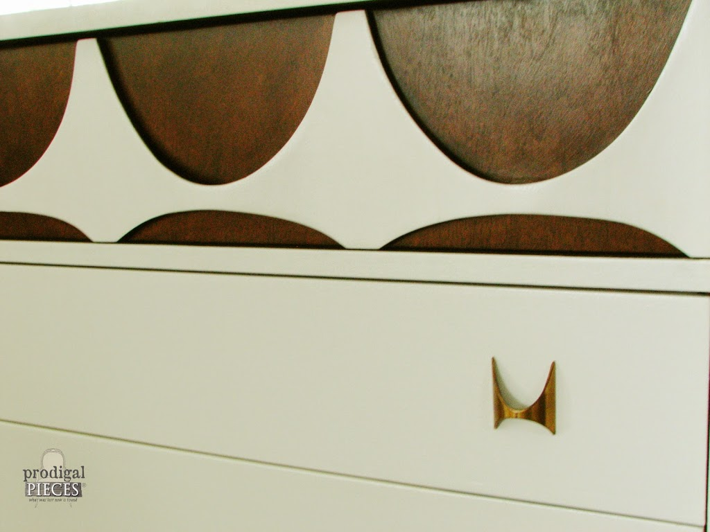 10 Furniture Refinishing Essentials Plus Tips & Tricks by Prodigal Pieces http://www.prodigalpieces.com