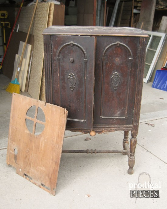 Antique Stereo Repurposed Into Sewing Cabinet by Prodigal Pieces www.prodigalpieces.com #prodigalpieces