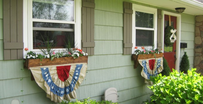 Patriotic Bunting from Thrift Store Fabric