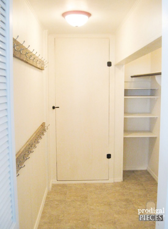 DIY Walk-In Closet Makeover with Barn Wood by Prodigal Pieces www.prodigalpieces.com #prodigalpieces