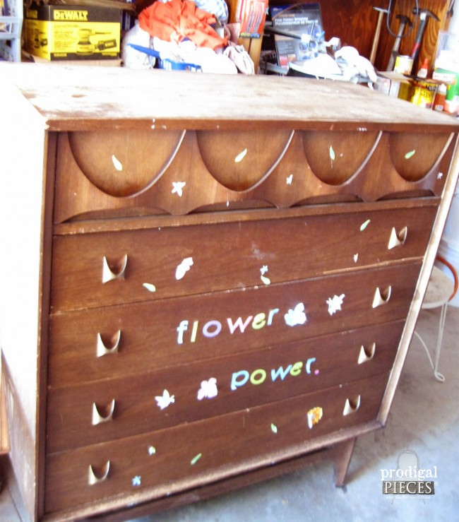 Thrifted Broyhill Brasilia Loses Its Flower Power by Prodigal Pieces www.prodigalpieces.com #prodigalpieces