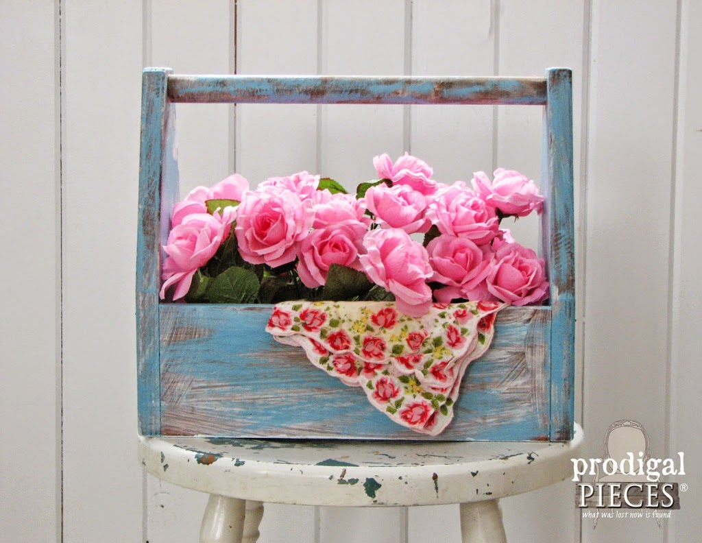 DIY: Creating Time-worn Effect with Layers of Paint by Prodigal Pieces www.prodigalpieces.com #prodigalpieces