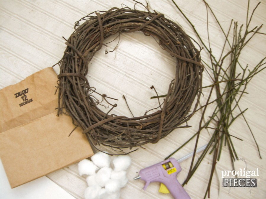 Material for DIY Farmhouse Cotton Wreath by Prodigal Pieces | prodigalpieces.com