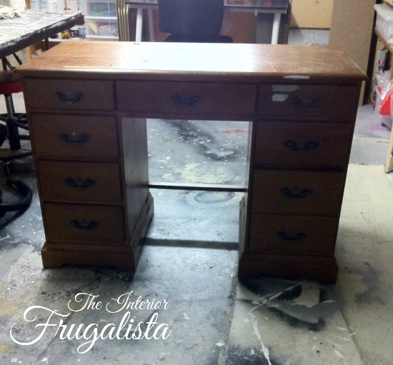 Vintage French Chic Desk Makeover by The Interior Frugalista via Prodigal Pieces www.prodigalpieces.com #prodigalpieces