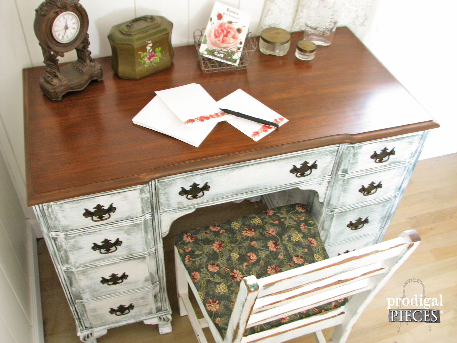 2 Year Blogiversary Giveaway to WIN this Desk Set + Shipped FREE by Prodigal Pieces www.prodigalpieces.com #prodigalpieces