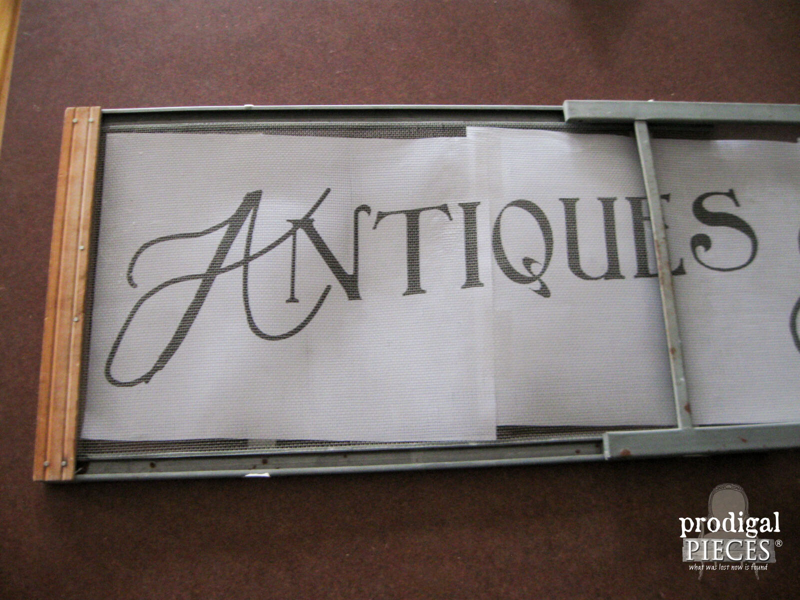 Printed Graphic Layout on Window Screen | Prodigal Pieces | www.prodigalpieces.com