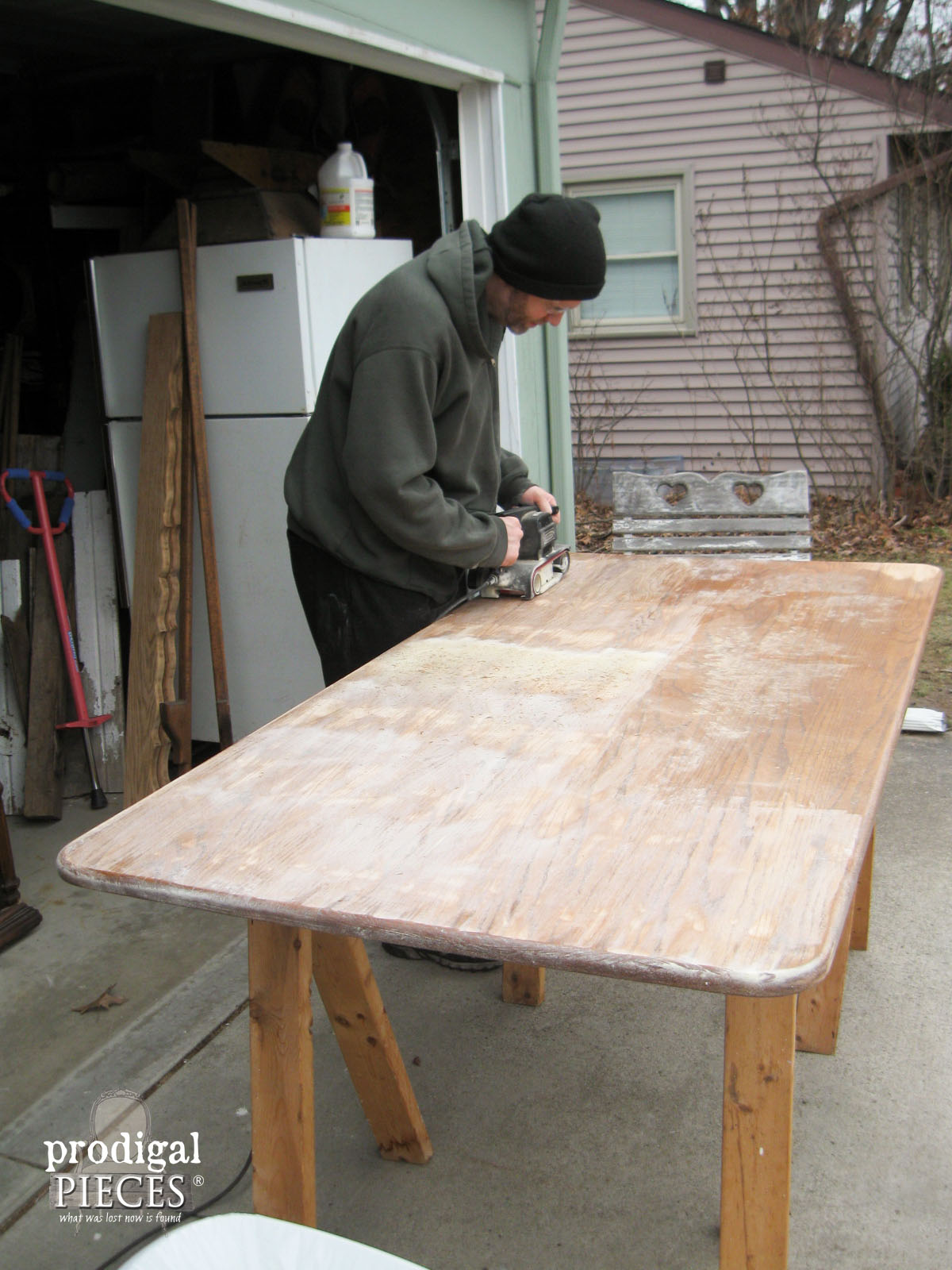 Sanding Farmhouse Table Top | Prodigal Pieces | www.prodigalpieces.com