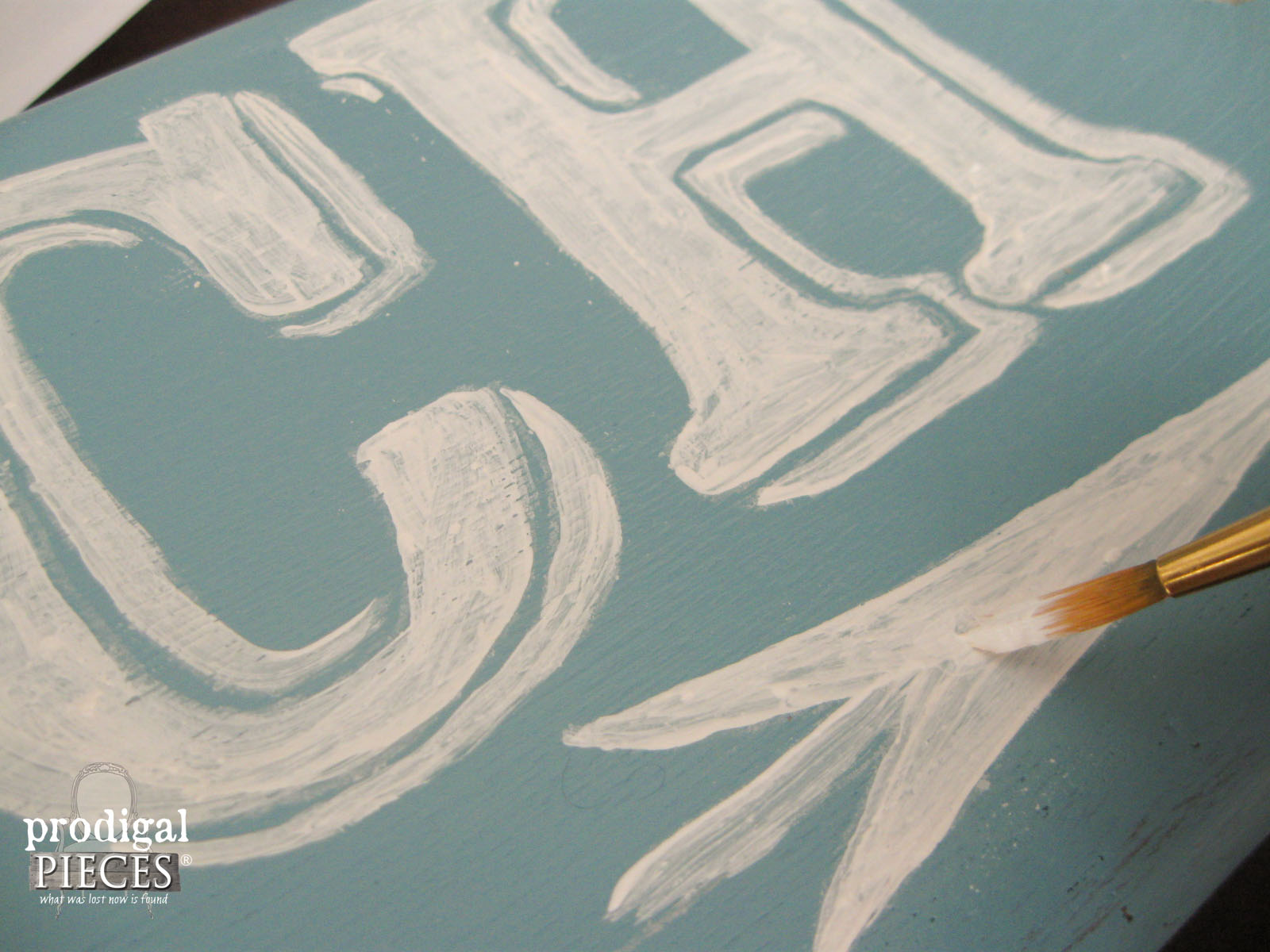 Hand Painting Beach Directional Sign by Prodigal Pieces | www.prodigalpieces.com